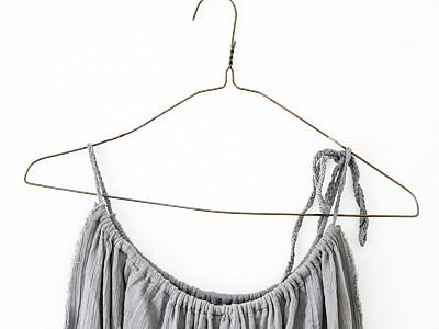 Rate hanger